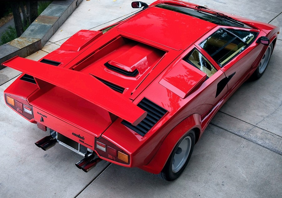 Lamborghini countach wing